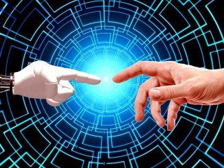 À l'ère du numérique, où se trouve la place de l'humain dans les centres d'appels ? Est-il relégué au second plan ?
