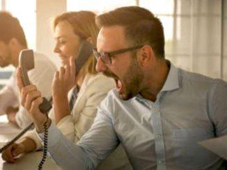 Dans les centres de contact, les phrases rébarbatives apportent des résultats négatifs. Alors, misez sur celles qui sont positives pour satisfaire le client.