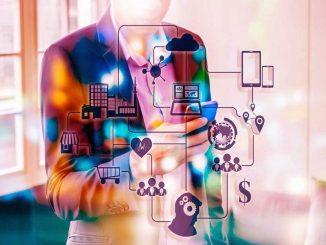 La principale différence entre le service client et l'expérience client réside dans le fait que l'expérience client implique tout le parcours client, y compris le service client.
