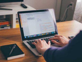 Depuis l'Internet, les blogs ont gagné en importance. De même pour les rédacteurs Web car ils fournissent les contenus pour maintenir l'intérêt des internautes.