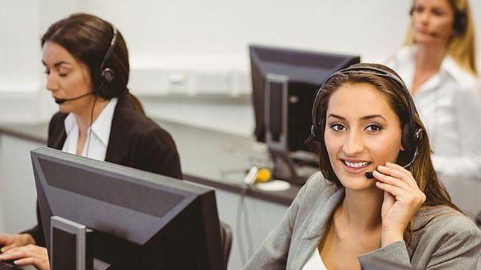 Un support téléphonique offre une approche personnalisée dans le processus d'achat des prospects.