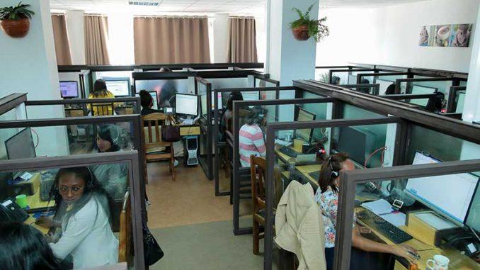 Nosycom : préambule du centre d'Accueil Téléphonique à Madagascar