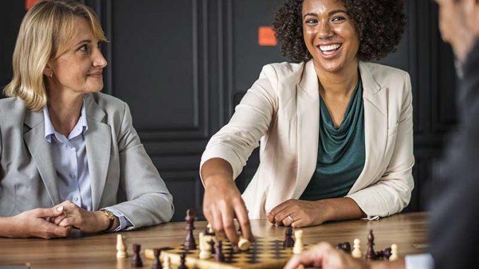 Instituer un environnement d'amélioration constante dans un centre d'appels implique d'y développer le leadership via quelques étapes et processus importants
