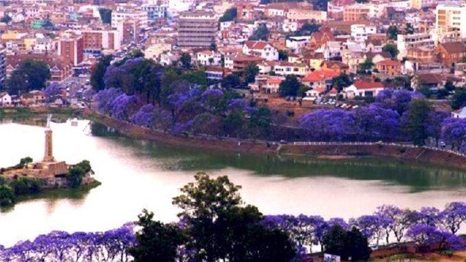 En tant que sous-traitants basés sur le sol malgache, nous pouvons fièrement dire que Madagascar est reconnue mondialement une destination incontournable pour les projets d'externalisation.