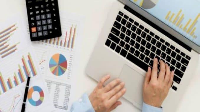 La modération web externalisée permet à une entreprise d'avoir un contenu numérique soigné et sans bavure. Il contribue entre autres à optimiser sa stratégie de communication.